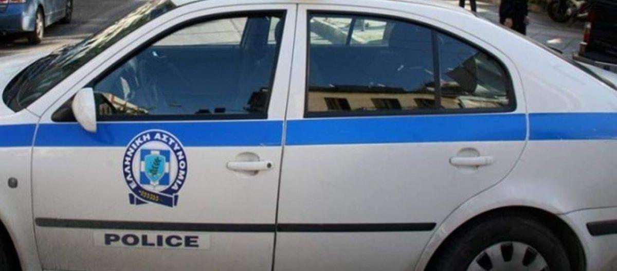 Κως: Εύπορη 77χρονη έδωσε 15.000 ευρώ σε αστυνομικό – Ήθελε να της κόψει 10 χρόνια από την ταυτότητα