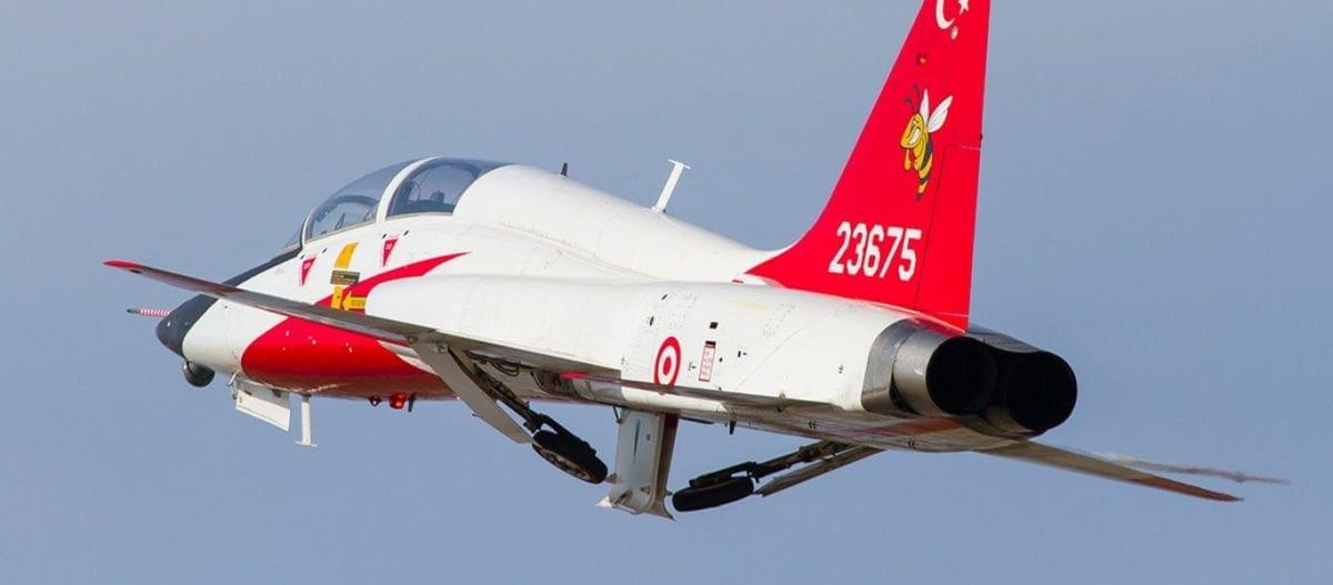 «Εκπαιδευτική» υπερπτήση των Τούρκων πάνω από τη νήσο Παναγιά με Τ-38