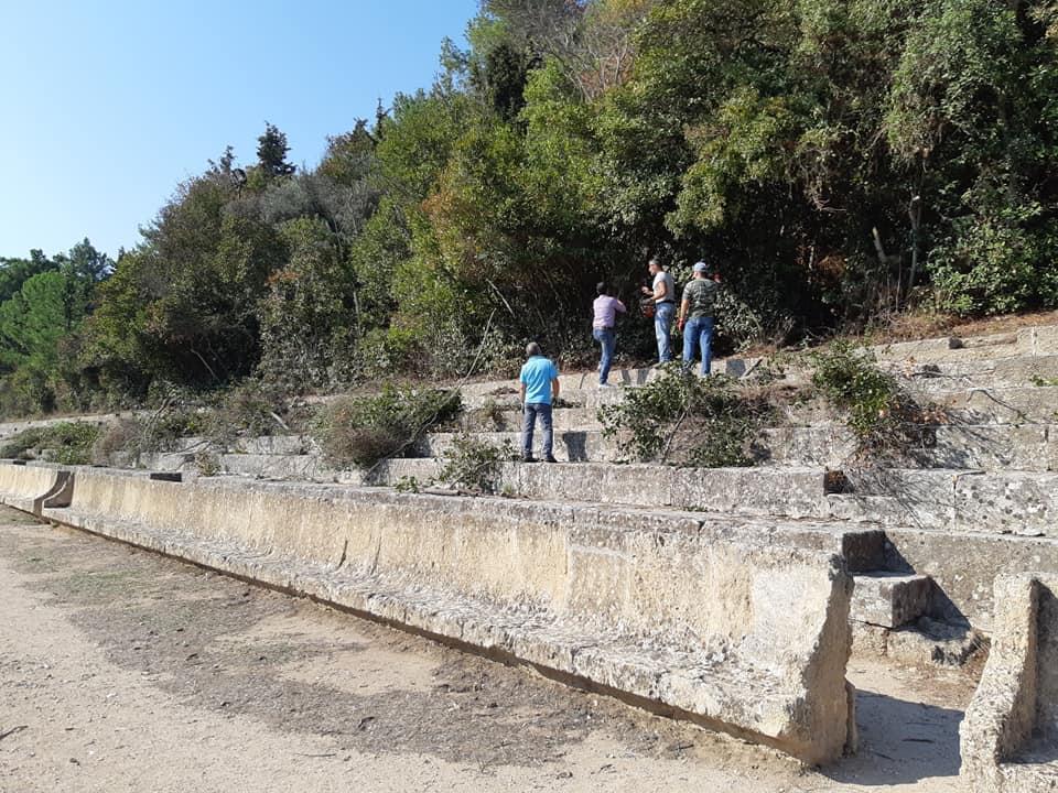 Καθαρισμός του Αρχαίου Σταδίου απο την Περιφέρεια
