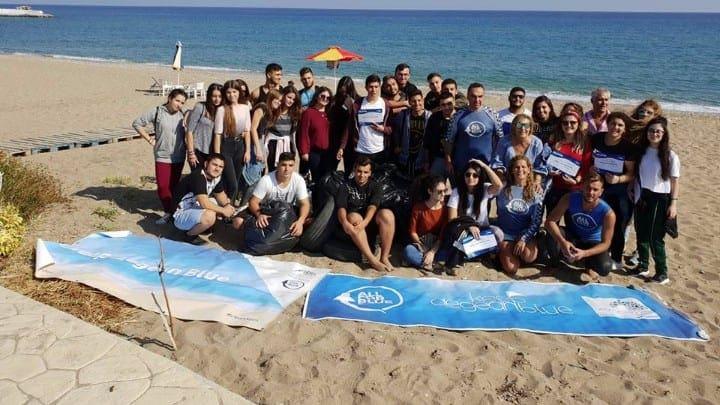 """""""Keep Aegean Blue"""" – Καθάρισαν την παραλία στα Στεγνά"""