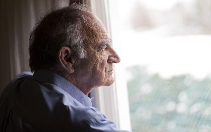 Η μοναξιά αυξάνει τον κίνδυνο άνοιας έως κατά 40%