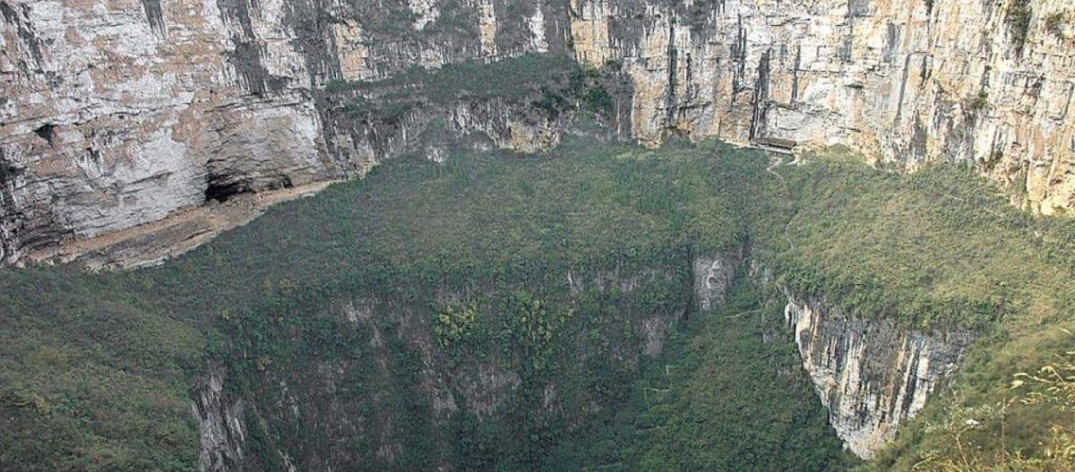Κίνα: Επιστήμονες ανακάλυψαν γιγαντιαίο σπήλαιο που μπορεί να χωρέσει ουρανοξύστη! (βίντεο)
