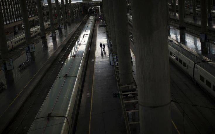 Εκκενώνεται σιδηροδρομικός σταθμός και στη Μαδρίτη