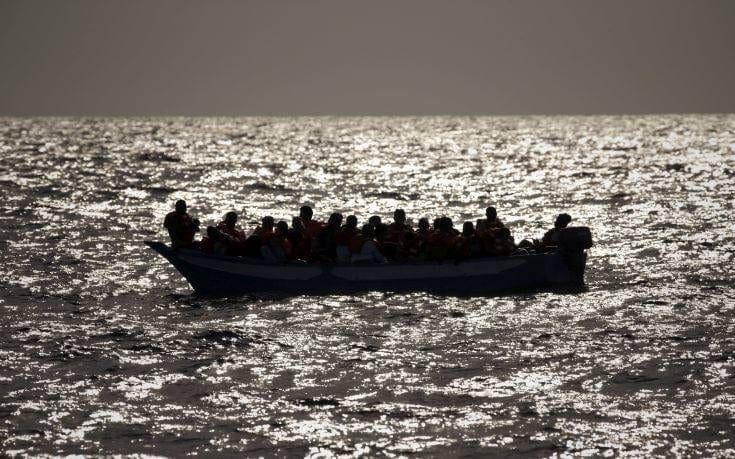 Περισσότεροι από 2.000 μετανάστες έχουν χάσει τη ζωή τους στη Μεσόγειο από τον Ιανουάριο