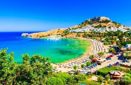 Μη δασικές 3 εκτάσεις σε ξενοδοχεία σε Ρόδο , Χανιά και Κέρκυρα