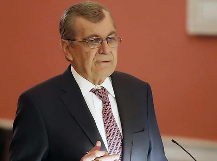 Με δεύτερη ερώτηση για το κόστος των αεροπορικών εισιτηρίων επανέρχεται ο Αντιπρόεδρος της Βουλής Δημήτρης Κρεμαστινός