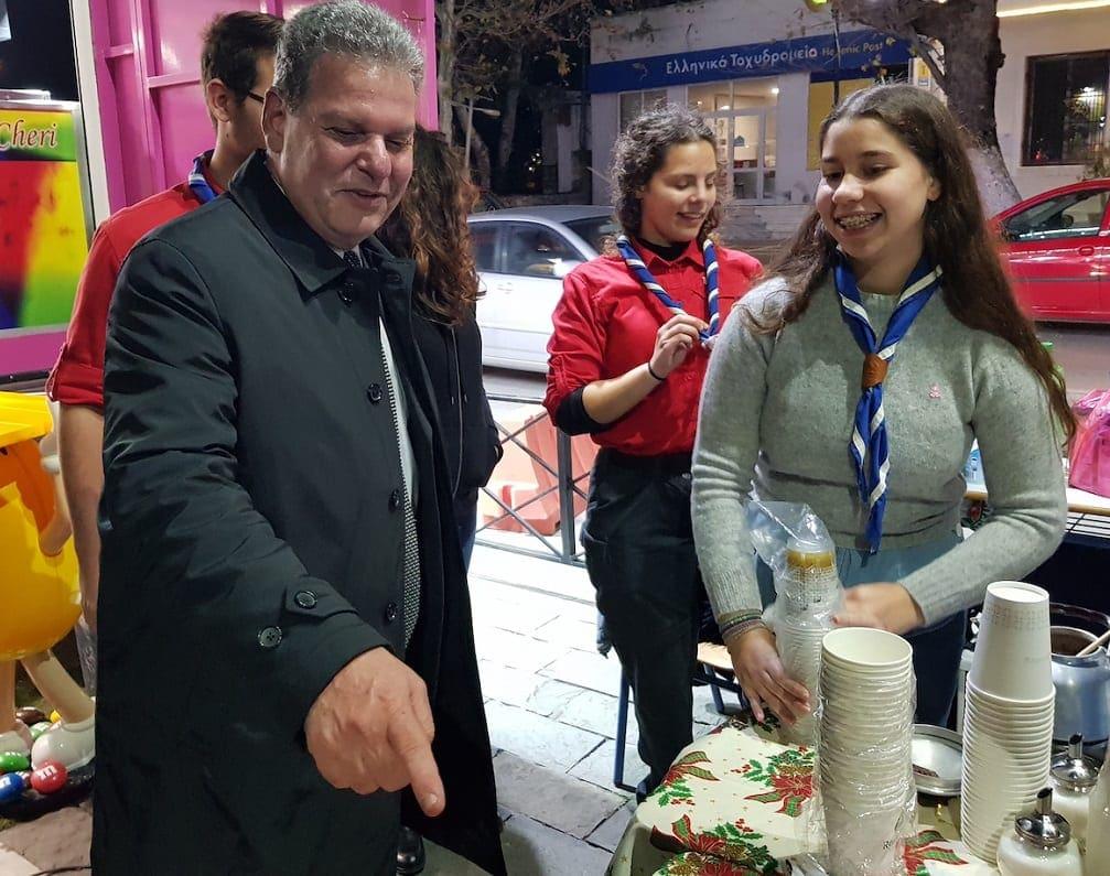 Παρουσία του υποψήφιου περιφερειάρχη στις εκδηλώσεις για την φωταγώγηση του Χριστουγεννιάτικου Δέντρου στην Κρεμαστή