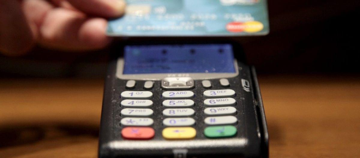Αύριο τελειώνει η προθεσμία για την υποχρεωτική δήλωση επαγγελματικού λογαριασμού – Πρόστιμο έως και 1.000 ευρώ