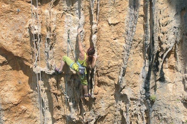 Δημιουργία αναρριχητικών πεδίων στο νησί της Καρπάθου