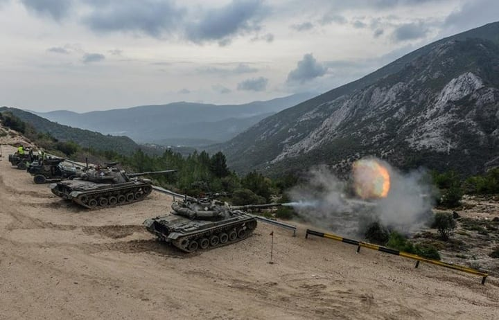 """""""Έβρεξε"""" φωτιά και ατσάλι απο την μεγάλη άσκηση του στρατού στα νησιά του Αιγαίου (φωτογραφίες)"""