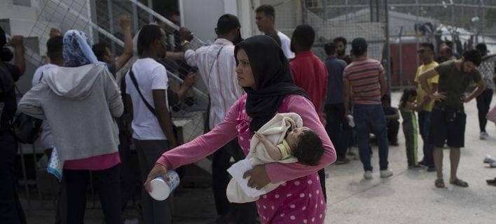 DW: Εγκλωβισμένοι στα ελληνικά νησιά πρόσφυγες και μετανάστες