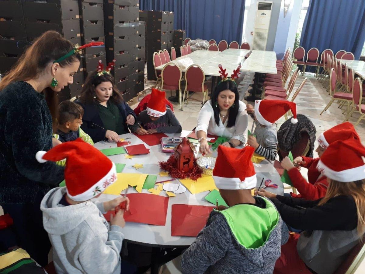 Χριστουγεννιάτικη γιορτή στους μαιθητές/τριες των Κοινωικών Φροντιστηρίων
