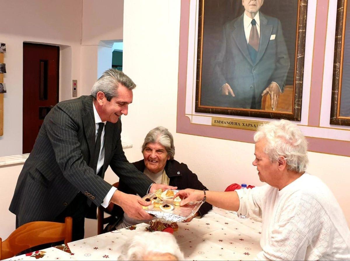 """Στον Οίκο Ευγηρίας  Δωδεκανήσου """"Χαραλάμπειο"""" , η πρώτη επίσκεψη του  Περιφερειάρχη Νοτίου Αιγαίου, την Πρωτοχρονιά"""