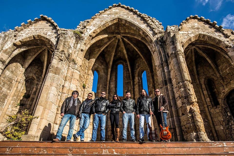 Οι OUTPASS από τη Ρόδο ψηφίσθηκαν ως το καλύτερο αγγλόφωνο Ελληνικό συγκρότημα