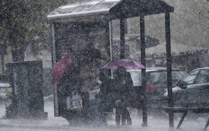 Κύματα βροχής, κίνδυνος για πλημμύρες μέχρι και την Πέμπτη