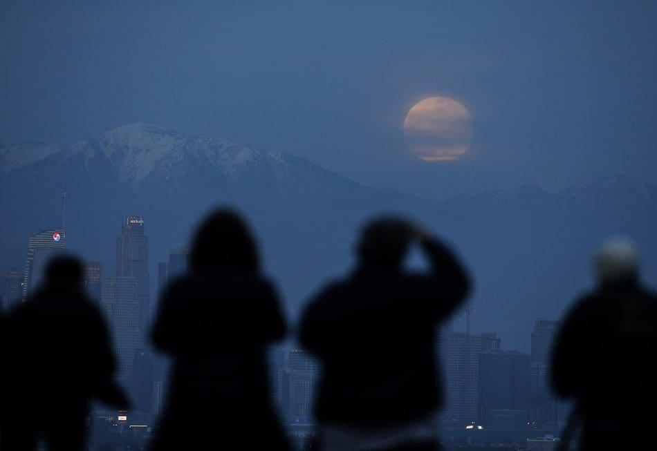 Μάγεψε το Ματωμένο Φεγγάρι –  Μοναδικές Φωτογραφίες από όλο τον κόσμο