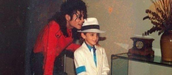 «LEAVING NEVERLAND»: Ένα εκρηκτικό ντοκιμαντέρ για τον Μάικλ Τζάκσον – Πώς είχε μετατρέψει το σπίτι του (βίντεο)