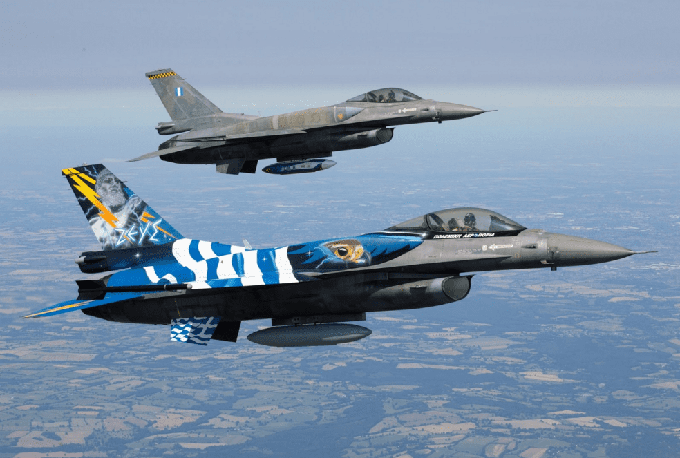 F16 θα πετάξει πάνω απο τη Ρόδο την 7η Μαρτίου – Ένοπλο τμήμα των Βρακοφόρων Κρήτης στην παρέλαση