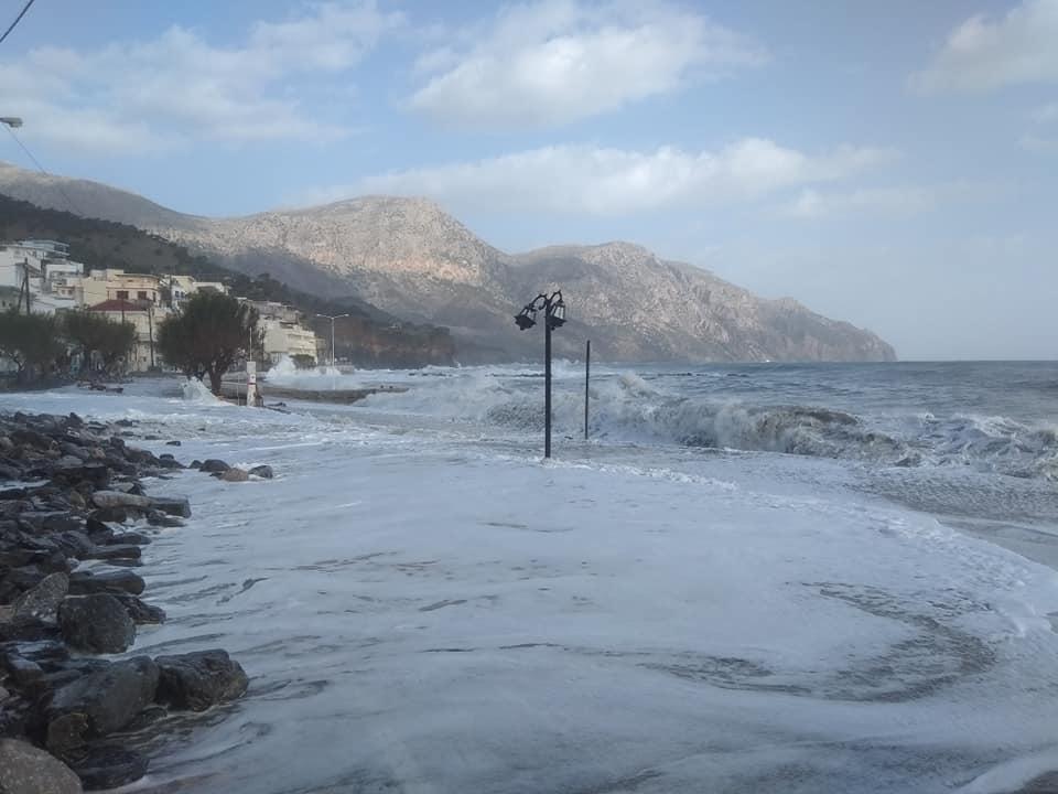 Καταγραφή ζημιών στις οικίες από την πρόσφατη θεομηνία στην Κάρπαθο