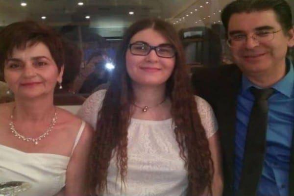 Στη Ρόδο οι γονείς της Τοπαλούδη – Τα απειλητικά μηνύματα που της έστελναν