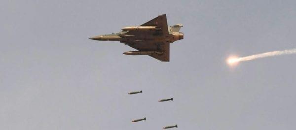 Το Πακιστάν κατέρριψε ινδικά μαχητικά! – Στα πρόθυρα πολέμου οι δύο πυρηνικές δυνάμεις (βίντεο)