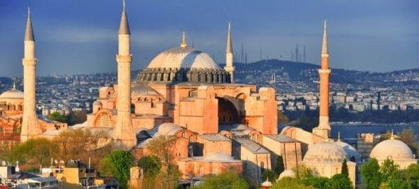 Φρένο της UNESCO στον Ερντογάν: Πρέπει να μας ρωτήσεις για να κάνεις την Αγιά Σοφιά τζαμί