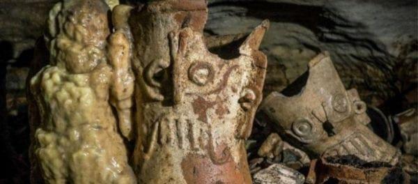 Μεγάλη ανακάλυψη στο Μεξικό: Εκατοντάδες ανέγγιχτα τελετουργικά αντικείμενα 1.000 χρόνων των Μάγια