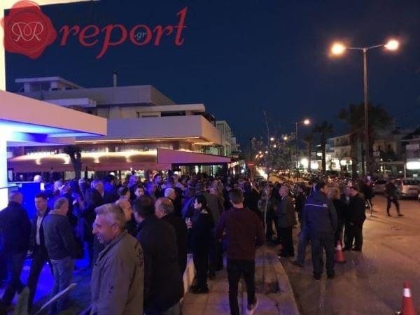 Πλήθος κόσμου στα εγκαίνια του εκλογικού κέντρου του Αντώνη Καμπουράκη