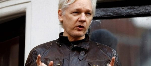Συνελήφθη ο Τζούλιαν Ασάνζ ο ιδρυτής των Wikileaks: Τον «έδωσε» η κυβέρνηση του Ισημερινού!