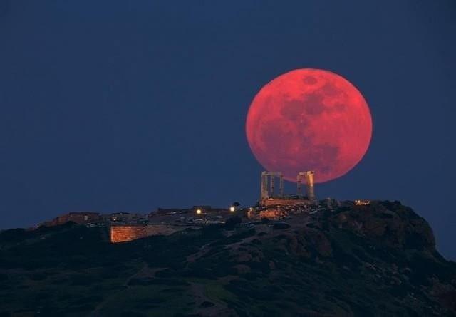 Απόψε η «Ροζ Πανσέληνος» -Τι σηματοδοτεί το φαινόμενο