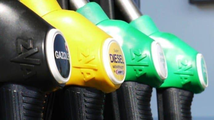 Αυξήθηκαν οι τιμές της βενζίνης: Έως και 2 ευρώ η αμόλυβδη – Δείτε σε ποιες περιοχές