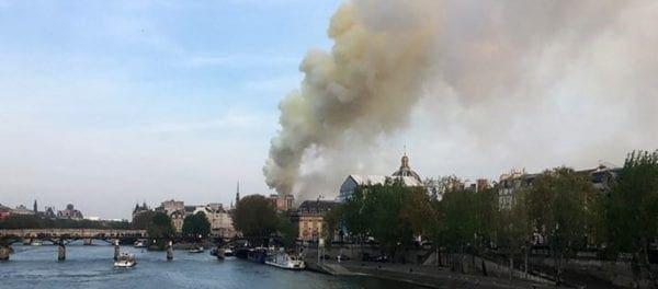 Γαλλία: Μεγάλη φωτιά στην «Παναγία των Παρισίων»!