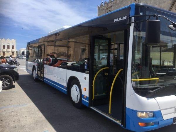 Αναβαθμίζονται οι αστικές συγκοινωνίες στο νησί, με τα τέσσερα νέα λεωφορεία  που παρέλαβε η ΔΕΣ  ΡΟΔΑ
