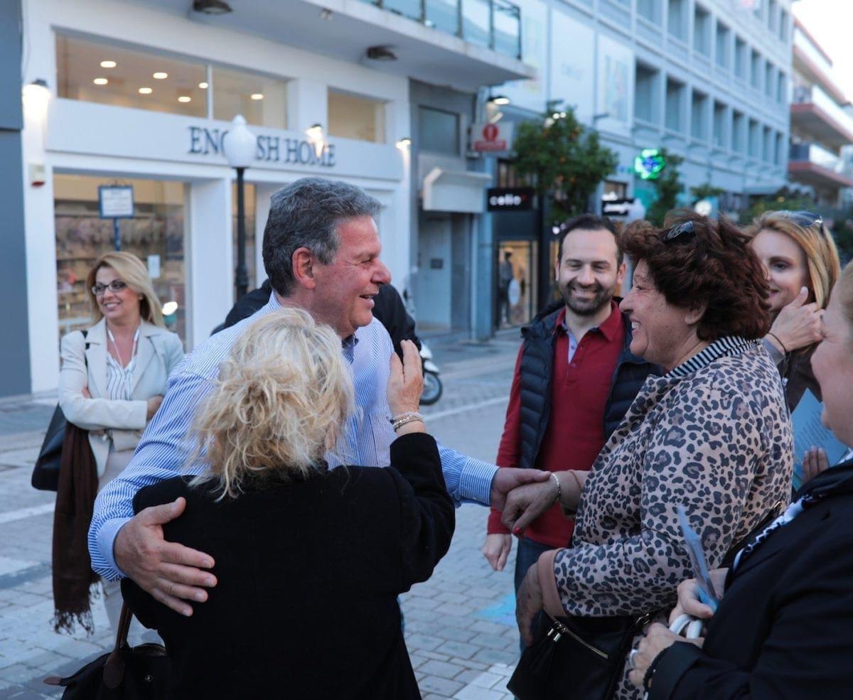 Περιοδεία του υποψήφιου περιφερειάρχη Μανώλη Γλυνού στην πόλη της Ρόδου