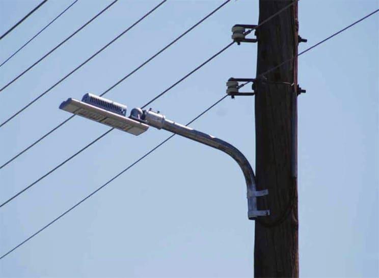 Προσοχή στη Ρόδου – Λίνδου και Ρόδου – Καμείρου – Συνεργεία τοποθετούν λαμπτήρες LED