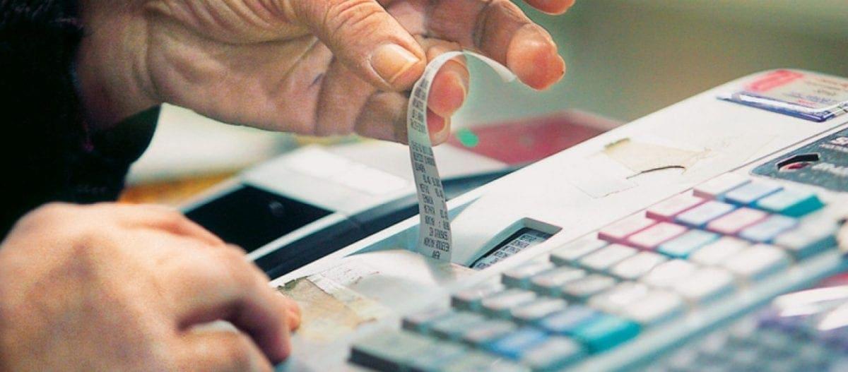 Από Δευτέρα θα ισχύσει η μείωση του ΦΠΑ – Σε ποια προϊόντα πέφτει από το 24% στο 13%