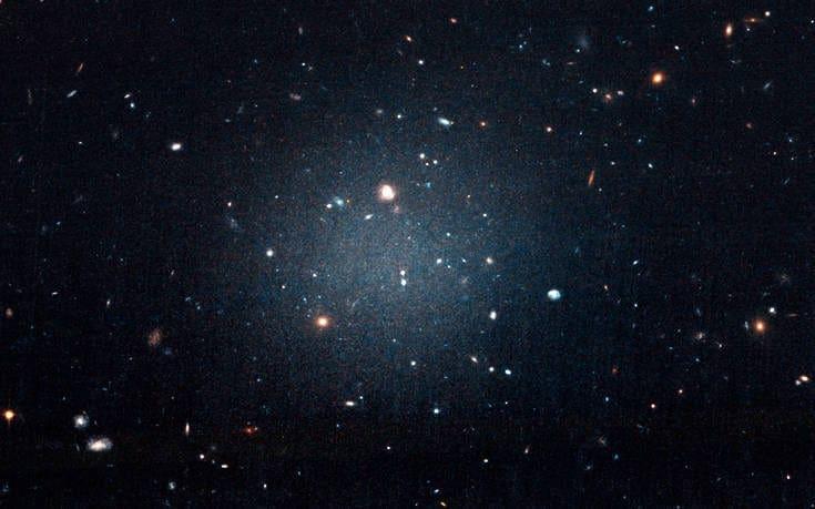 Μακρινή κοσμική πηγή μυστηριωδών ραδιοκυμάτων εντοπίστηκε για πρώτη φορά