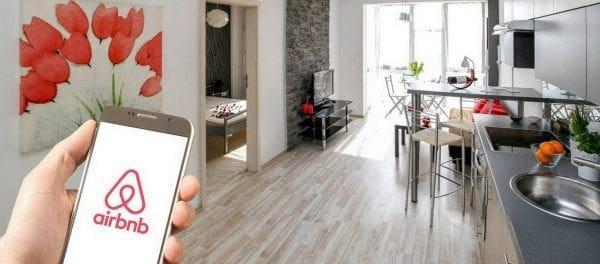 «Ντου» της εφορίας για τα Airbnb: Πώς θα γίνουν οι έλεγχοι