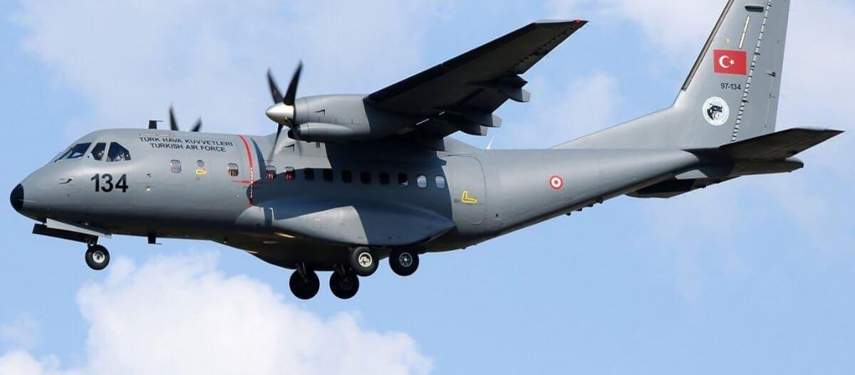Δεκάδες οι παραβιάσεις του ΕΕΧ από την ΤΗΚ: Θρασύτατες πτήσεις τουρκικών CN-235 στο Αιγαίο