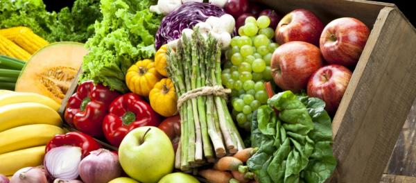 Δείτε ποια φρούτα και λαχανικά έχουν τα περισσότερα φυτοφάρμακα