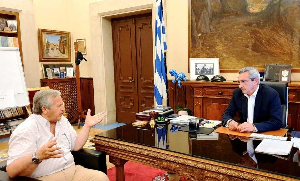 Συνάντηση Γιώργου Χατζημάρκου με το νεοεκλεγέντα δήμαρχο Καλύμνου, Δημήτρη Διακομιχάλη