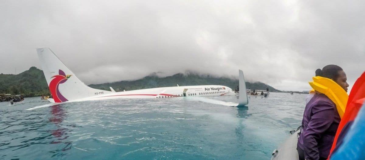 Boeing 737 πέφτει στον ωκεανό – Οι πιλότοι δεν είχαν καταλάβει ότι πετούσαν χαμηλά!
