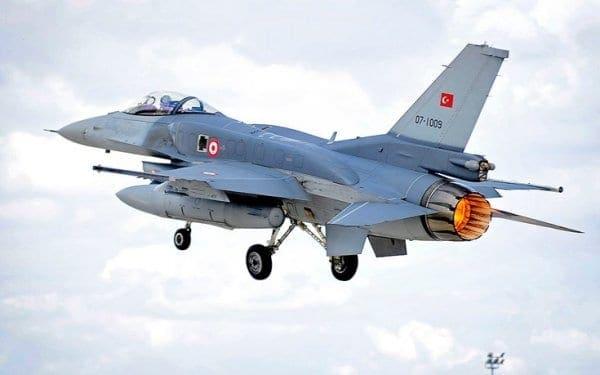 Νέα πρόκληση τουρκικών μαχητικών πάνω από ελληνικά νησιά