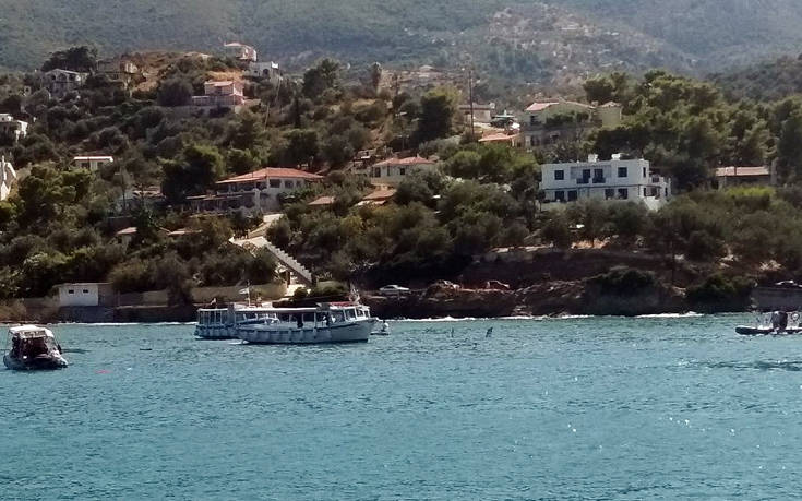 Πτώση ελικοπτέρου στη θάλασσα μεταξύ Πόρου και Γαλατά: Ανασύρθηκαν δύο σοροί