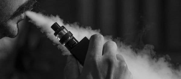 Ηλεκτρονικό τσιγάρο: Και μία «ρουφηξιά» κάνει κακό