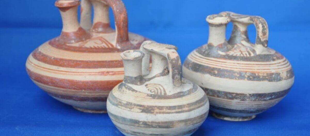 Νεμέα: Στο φως ασύλητοι θαλαμοειδείς τάφοι στο μυκηναϊκό νεκροταφείο – Επανάληψη ανασκαφών λόγω αρχαιοκαπηλίας