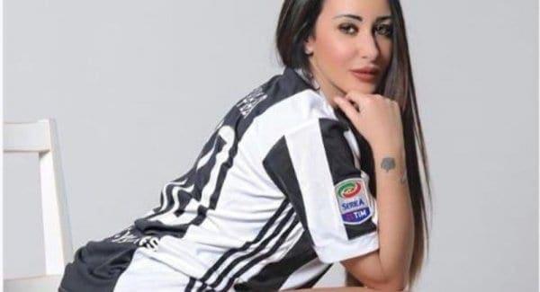 Η Εμανουέλα Ιακουίντα – To showgirl της ιταλικής tv και φαν της Γιουβέντους ξετρέλανε τη Ρόδο