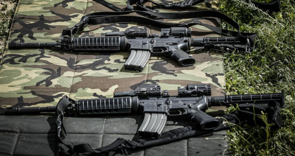 Ποιοι κλέβουν πολεμικό υλικό από τον ελληνικό στρατό και που καταλήγουν τα κλεμμένα