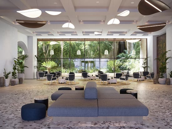 Το Amathus Beach Hotel αλλάζει και γίνεται Rhodes Bay Hotel