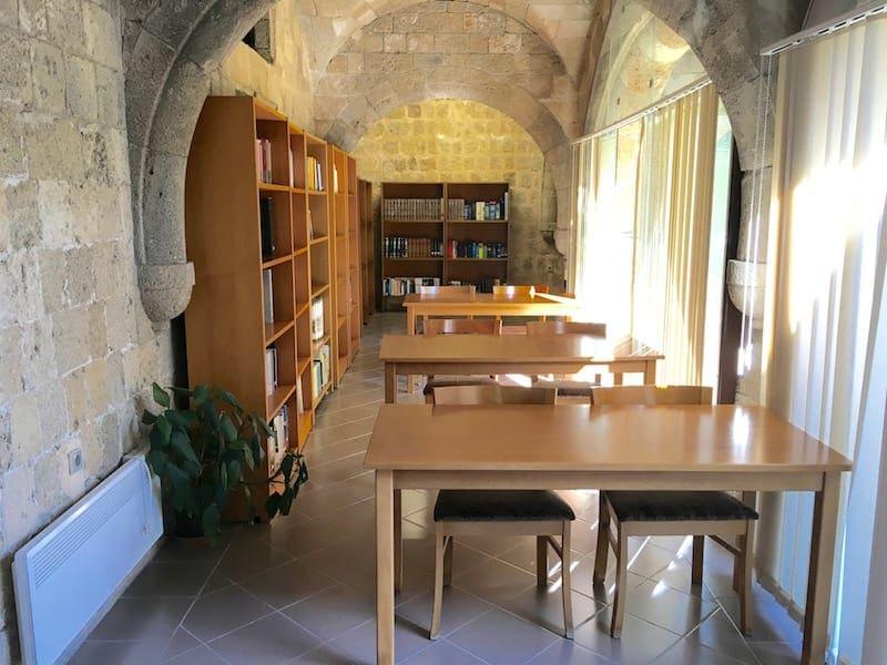 """""""Να συνεχιστεί η λειτουργία της Δημόσιας Βιβλιοθήκης Ρόδου"""""""